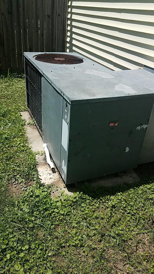 McDonald, TN - Service call. Performed repair on Goodman heat pump.