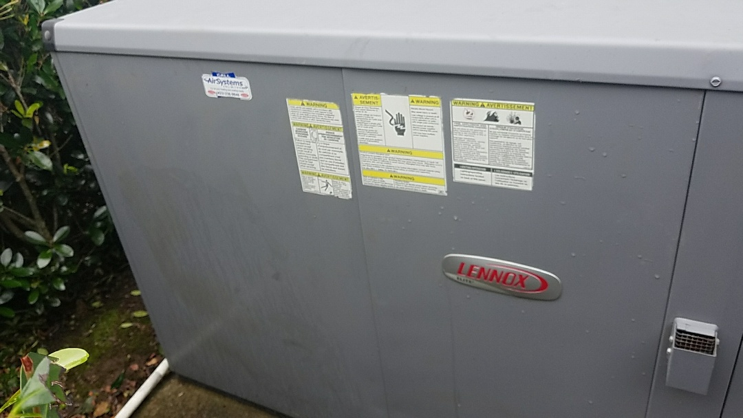 Ooltewah, TN - Maintenance Call. Performed tune up on a Lennox gas AC