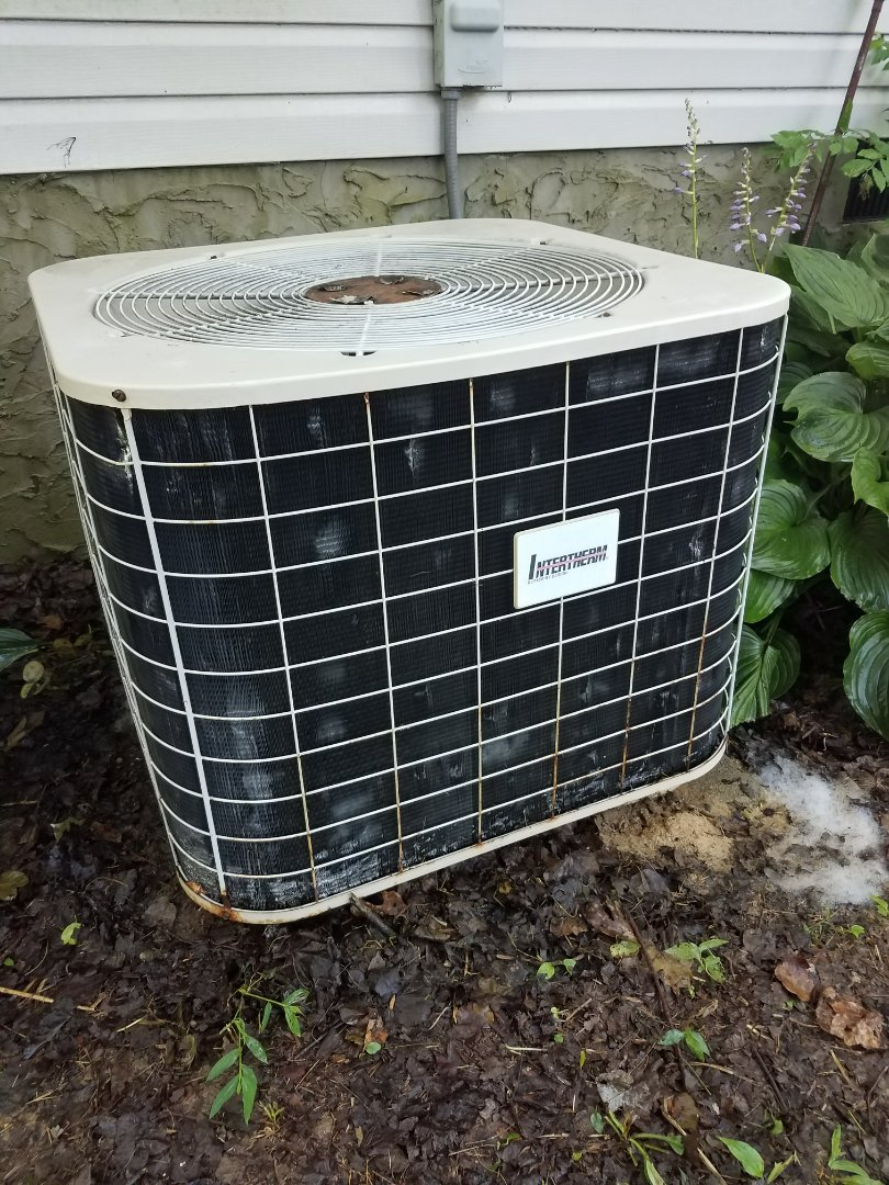 Collegedale, TN - Preventive maintenance. Performed maintenance on Intertherm heat pump.