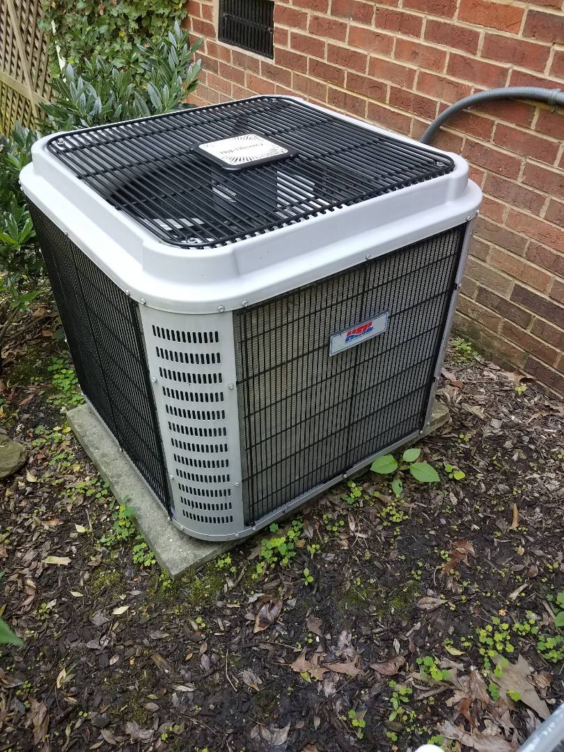 Ooltewah, TN - Service call. Performed repair on Heil heating and air system.