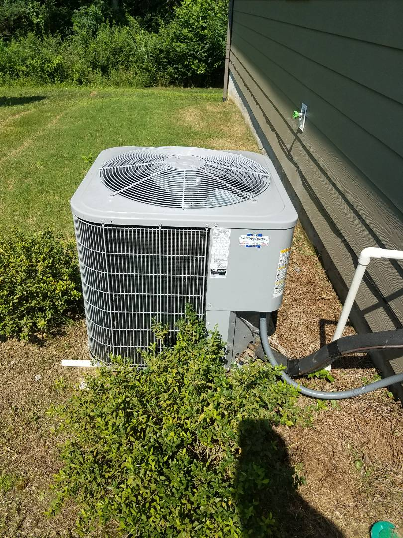 Cleveland, TN - Service call. Performed repair on carrier heating and air system.