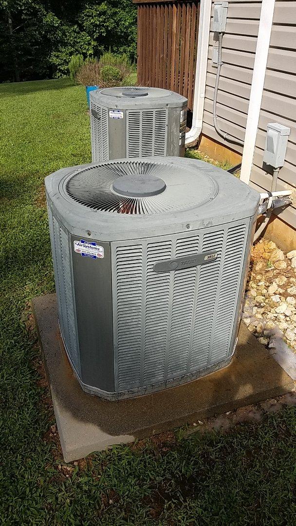 McDonald, TN - Maintenance call. Performed tune up on Trane heat pump