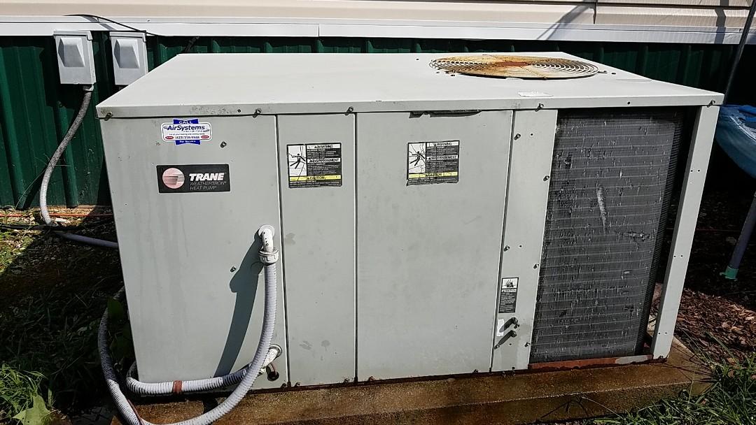 Cleveland, TN - Maintenance call. Performed maintenance on Trane heat pump