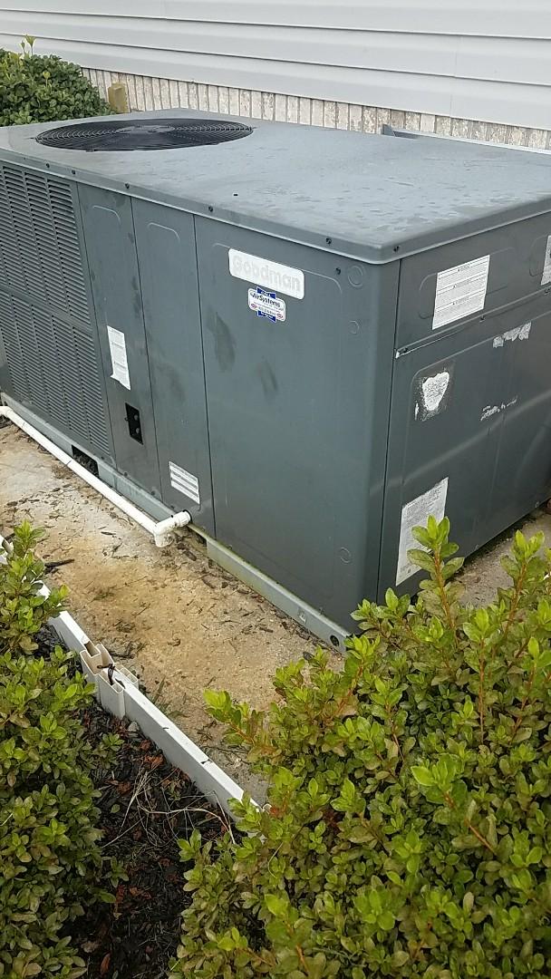 Cleveland, TN - Service call. Performed repair on Goodman heat pump.