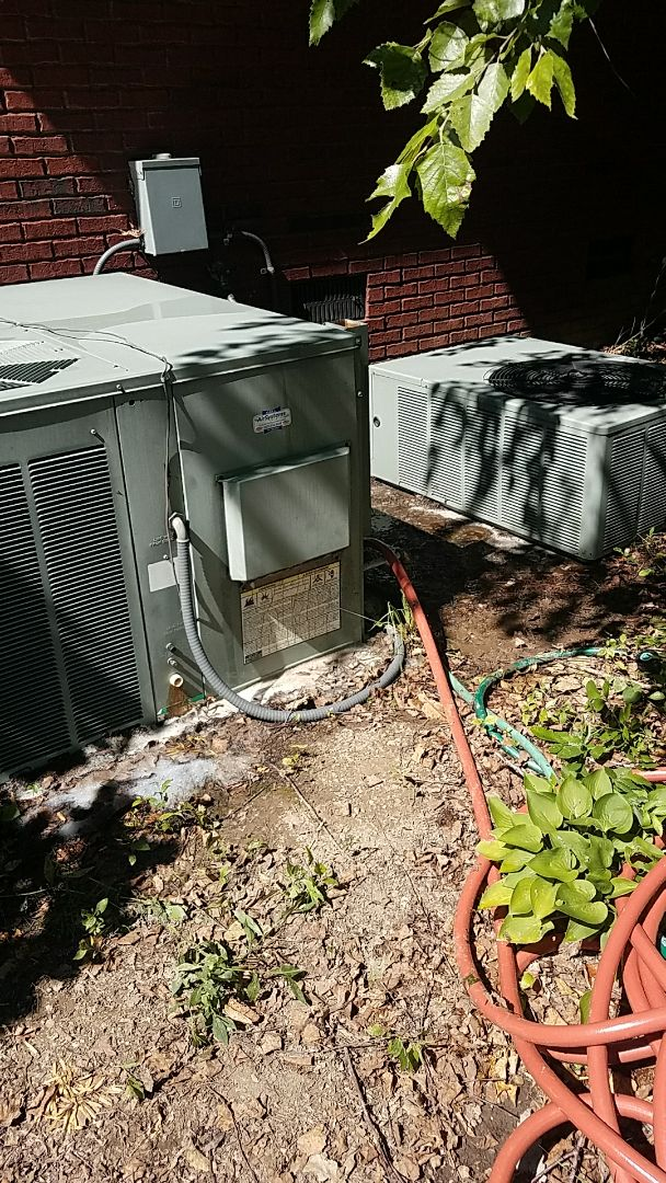 Ooltewah, TN - Preventive maintenance. Performed maintenance on Rudd heating and air systems.