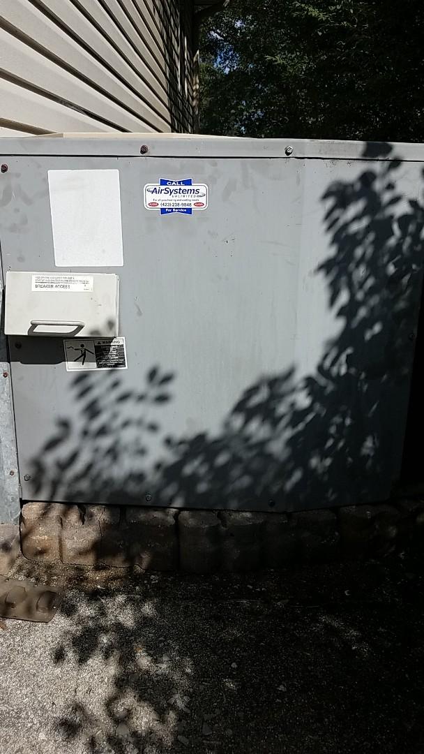 Chattanooga, TN - Service call. Repair on Tempstar Heat pump