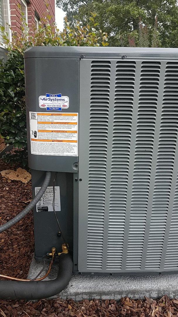 McDonald, TN - Service call. Amana heat pump split system.