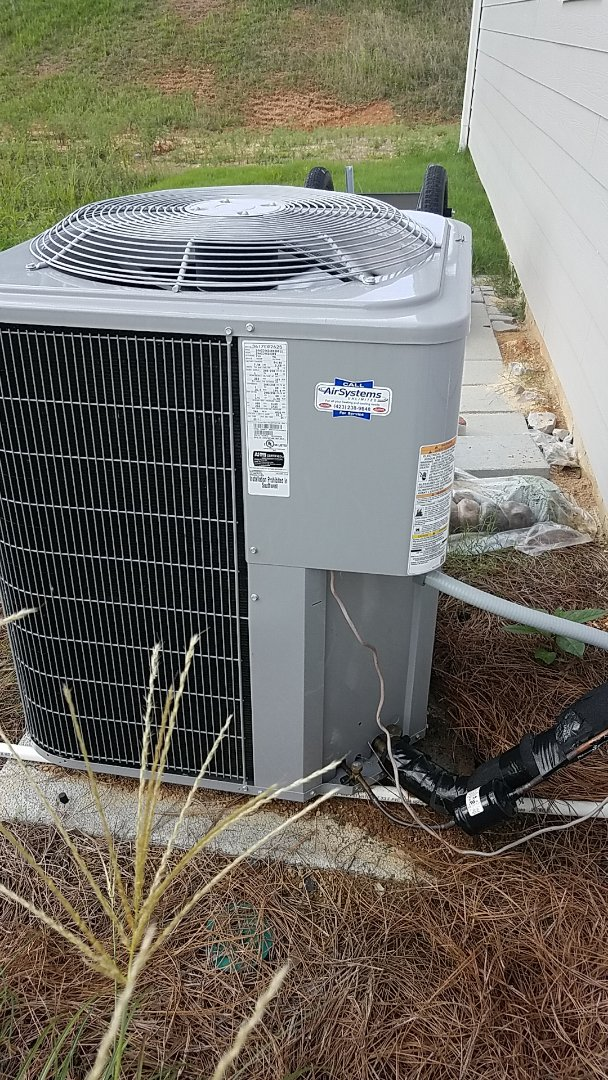 Cleveland, TN - Service call.  Carrier straight AC.