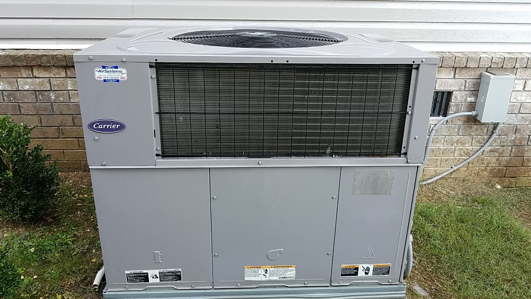 Chattanooga, TN - Maintenance call. Performed maintenance on Carrier heat pump