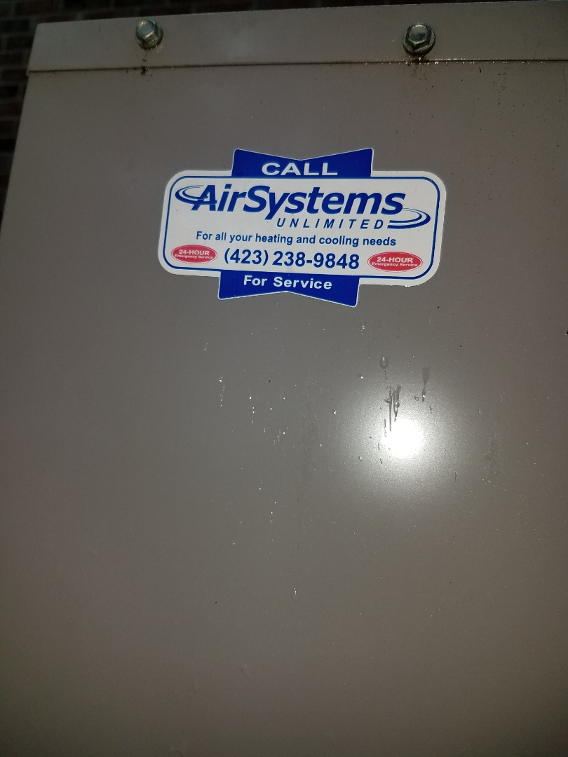 Cleveland, TN - Service call.  Performed maintenance on Carrier Heat Pump systems.