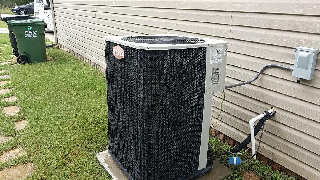 Ooltewah, TN - Maintenance call. Performed maintenance on Nutone heat pump