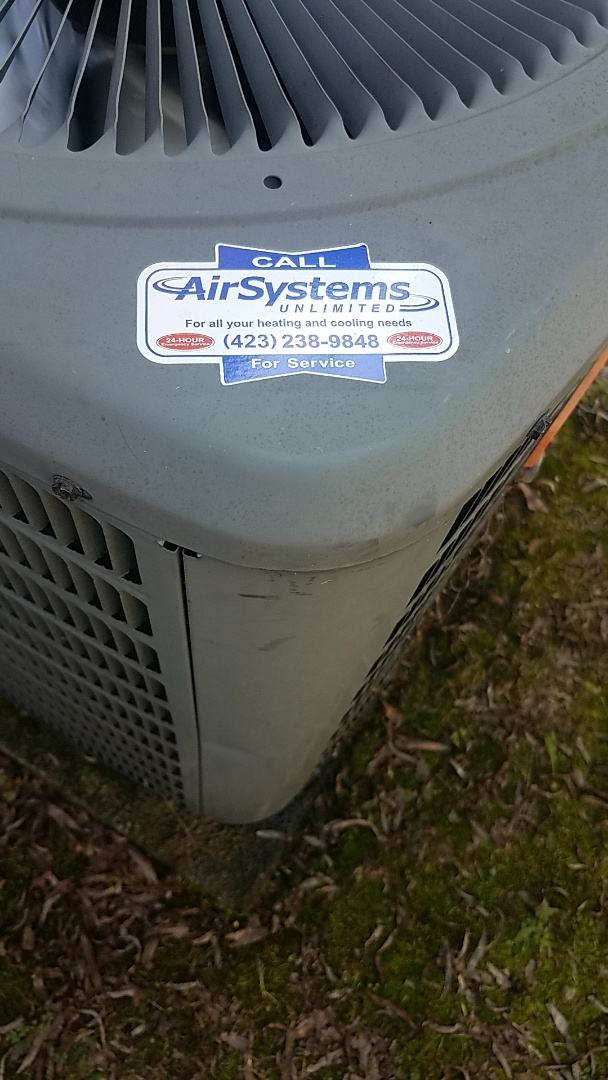 Ooltewah, TN - Service call. Performed service on a Goodman Heat Pump.