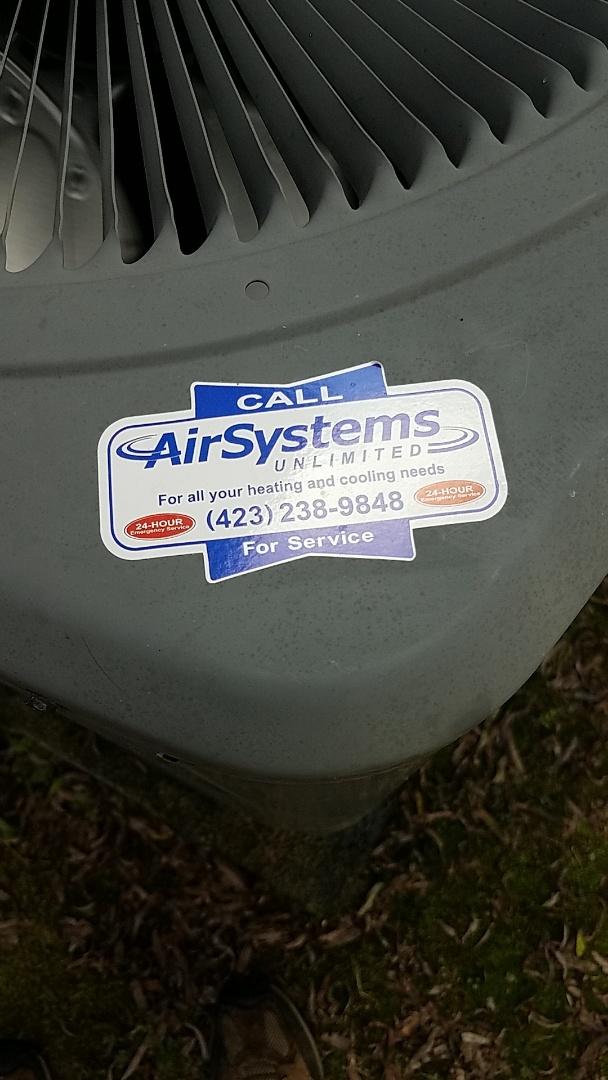Ooltewah, TN - Service call. Performed repair on Goodman Heat Pump.
