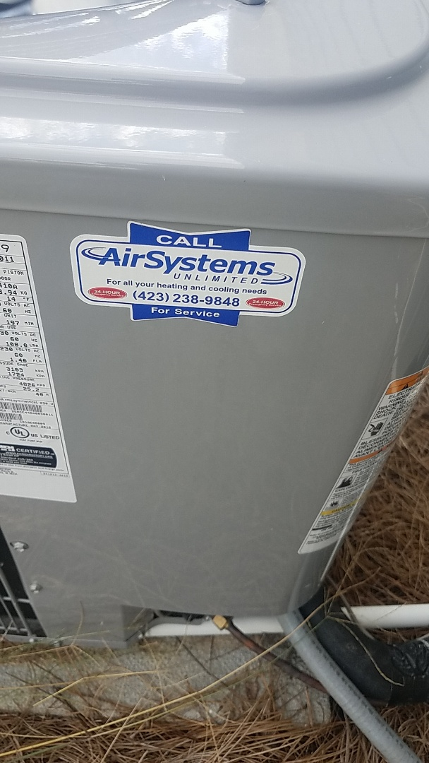 Ooltewah, TN - Service call. Performed service on Carrier Heat Pump.