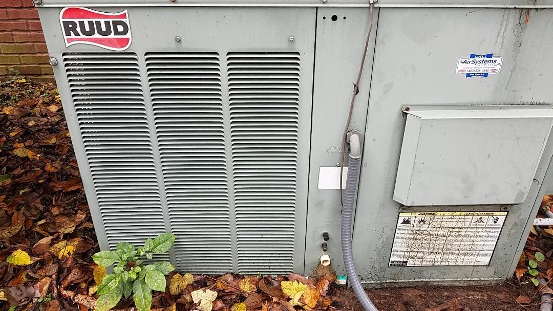 Ooltewah, TN - Maintenance call. Performed maintenance on Rudd furnace