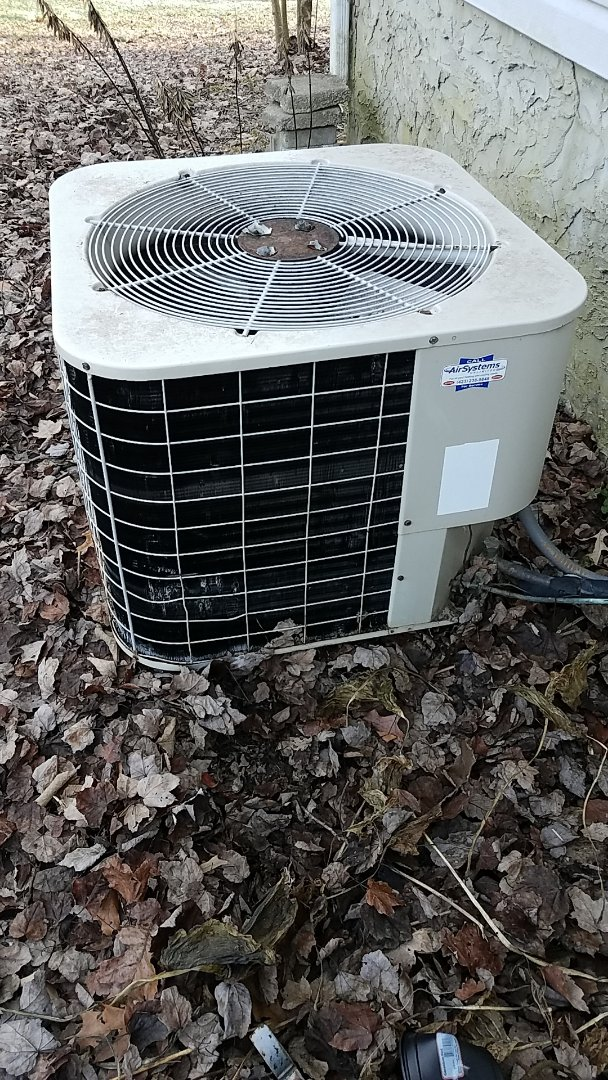 Cleveland, TN - Service call. Performed maintenance on a Intertherm Heat Pump system.