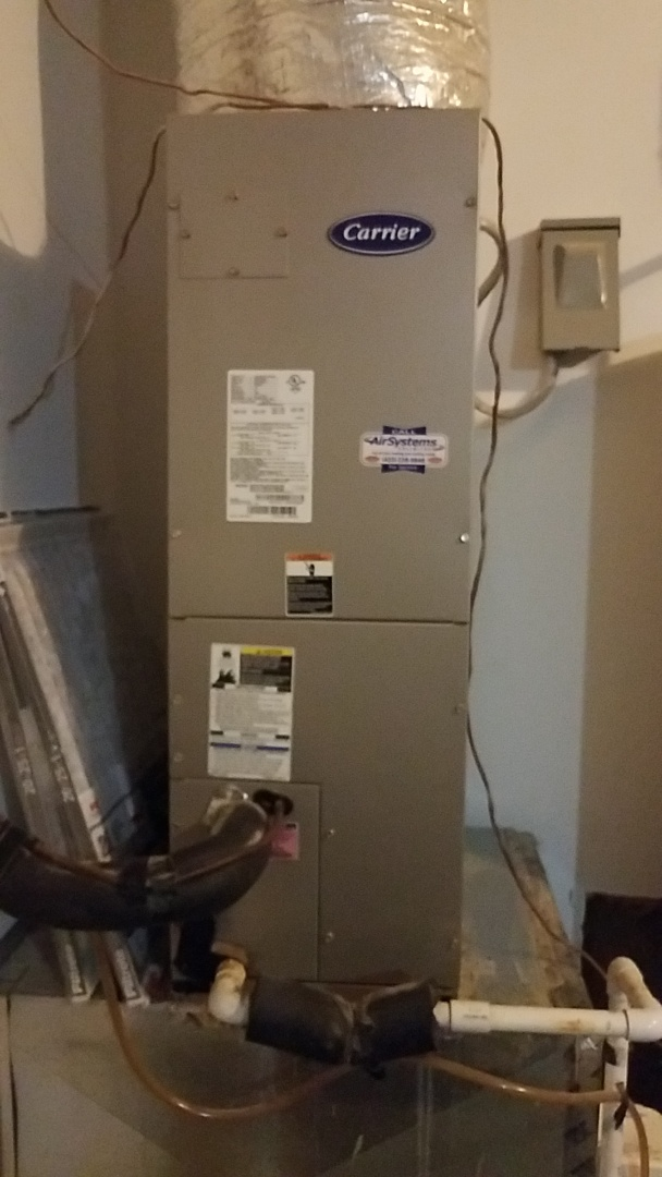 Ooltewah, TN - Service call. Performed maintenance on Carrier Heat Pumps.