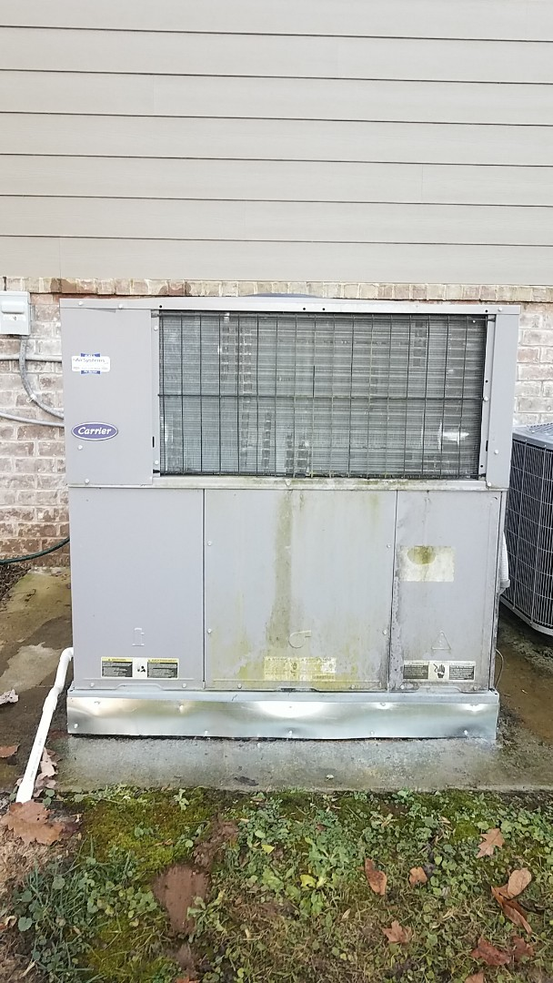Harrison, TN - Service call. Performed repair on Carrier Heat Pump system.