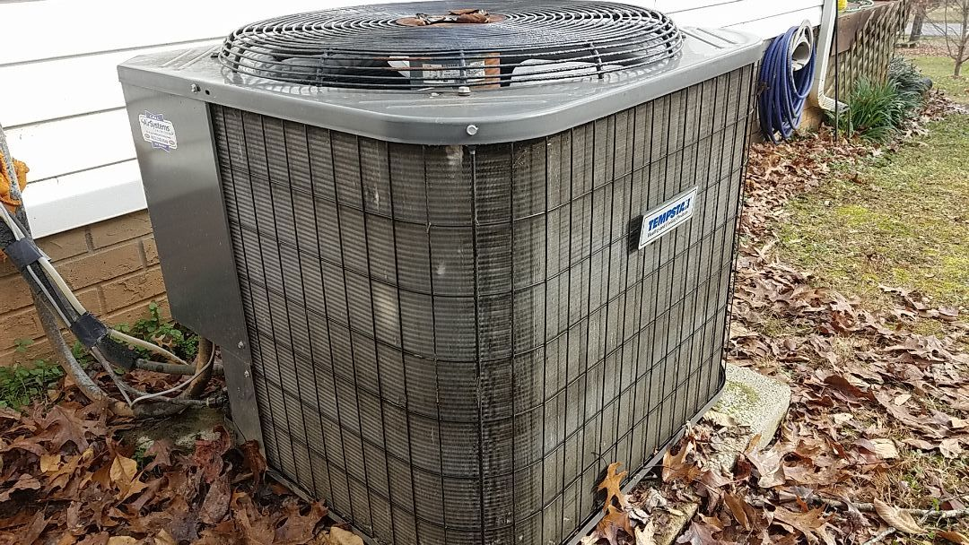 Cleveland, TN - Service call. Performed repair on Tempstar heat pump