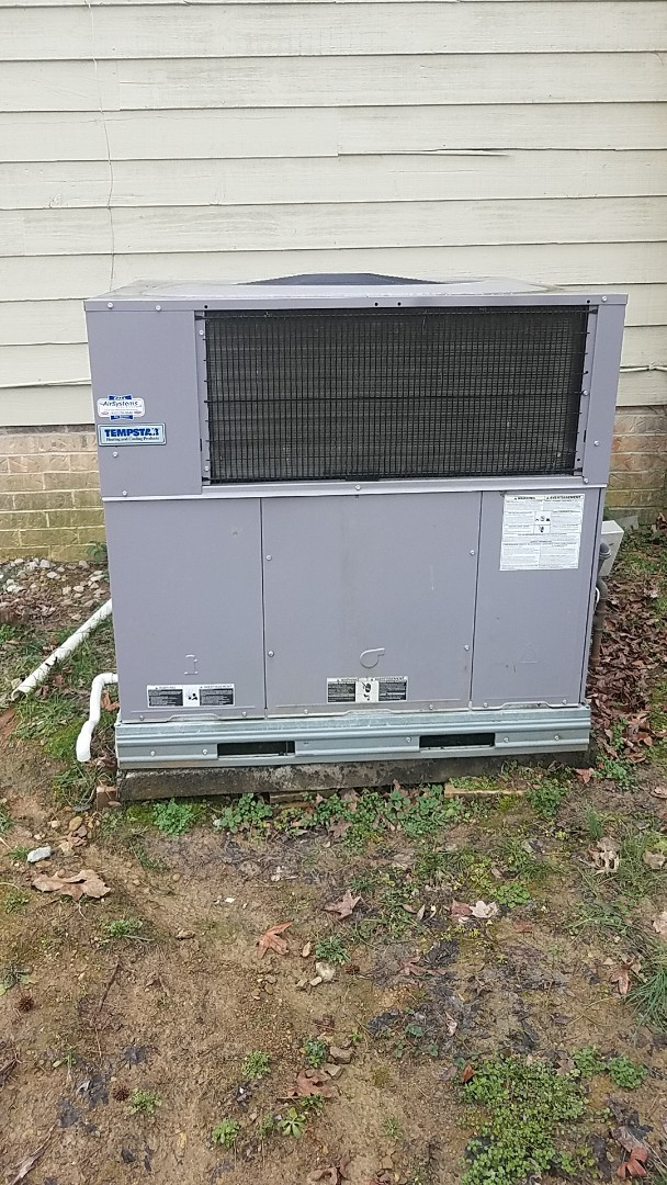 Cleveland, TN - Service call. Performed repair on a Tempstar Gas package unit.