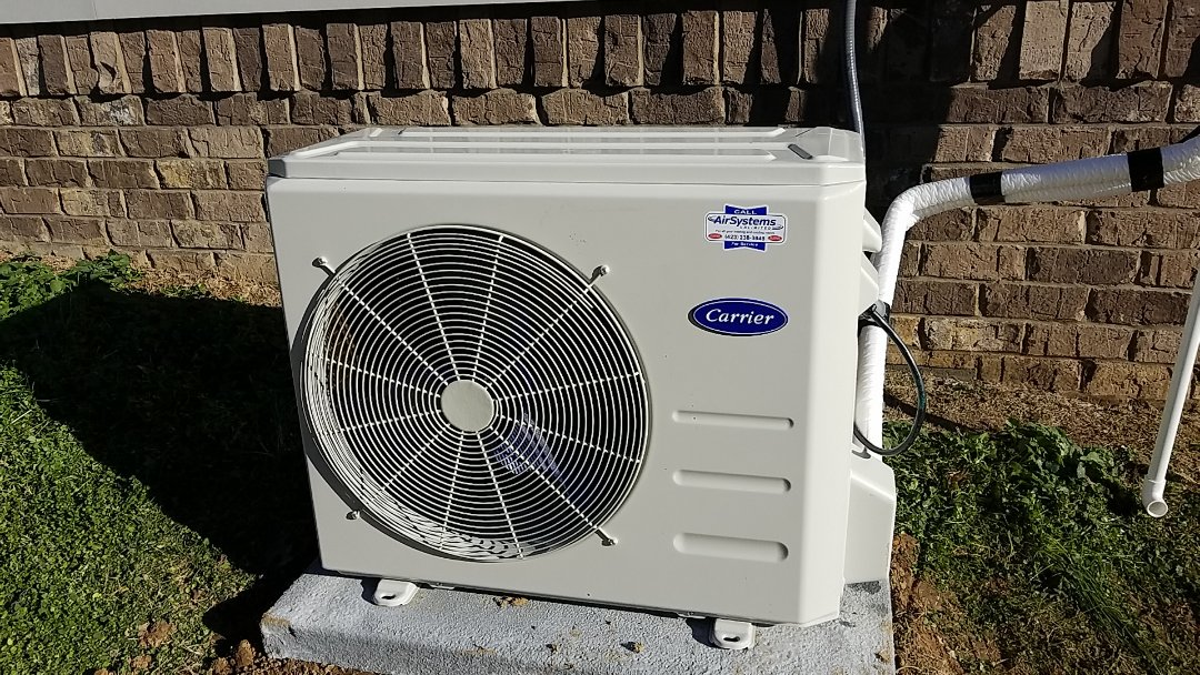 Ooltewah, TN - Installation call. Performed install of Carrier Ductless system.