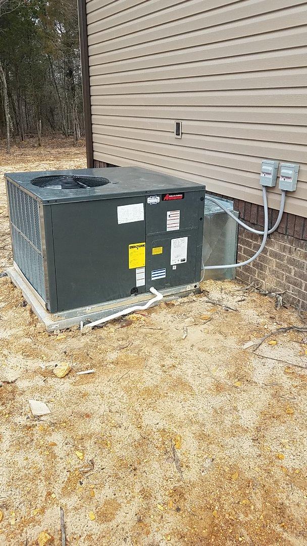 Ooltewah, TN - Service call. Amana heat pump package unit