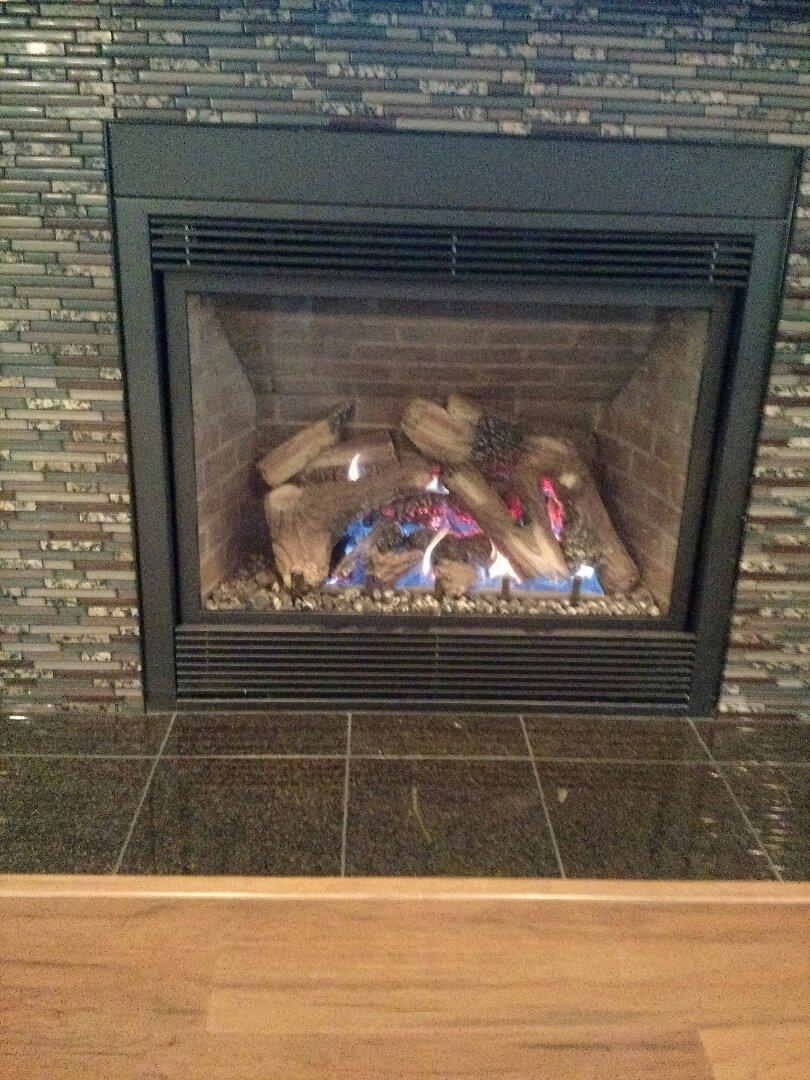 Milwaukee, WI - Service Mendota Fireplace.