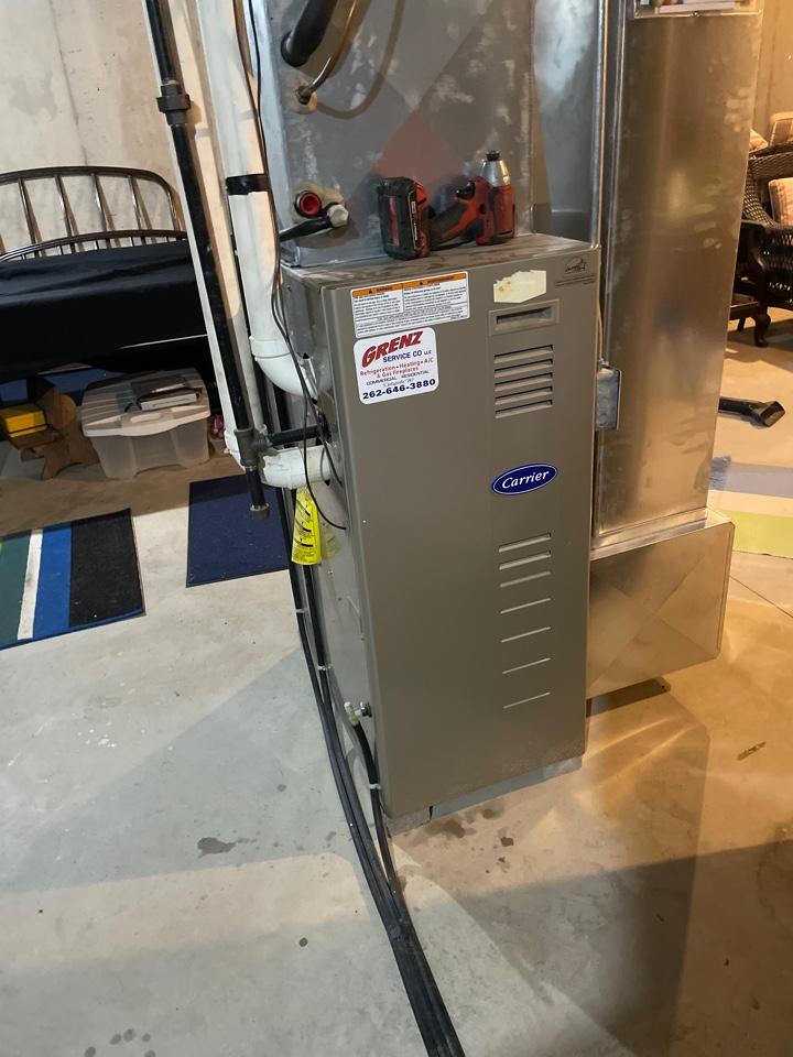 Ixonia, WI - Carrier furnace repair