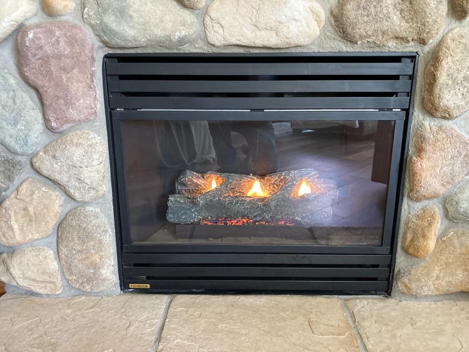 Pewaukee, WI - Repair fireplace
