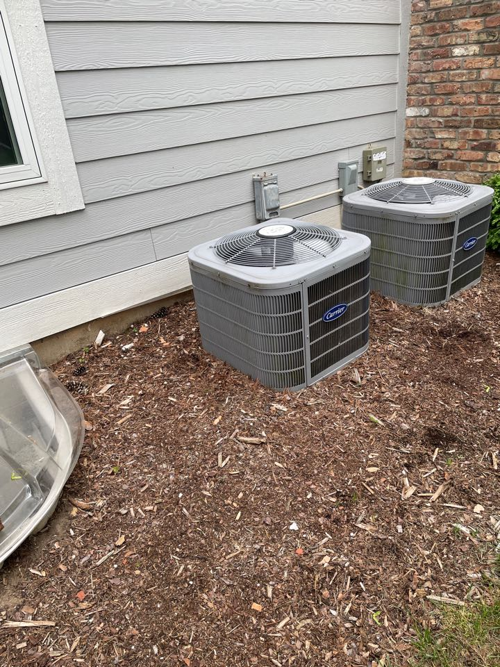 Delafield, WI - Carrier air conditioning repair