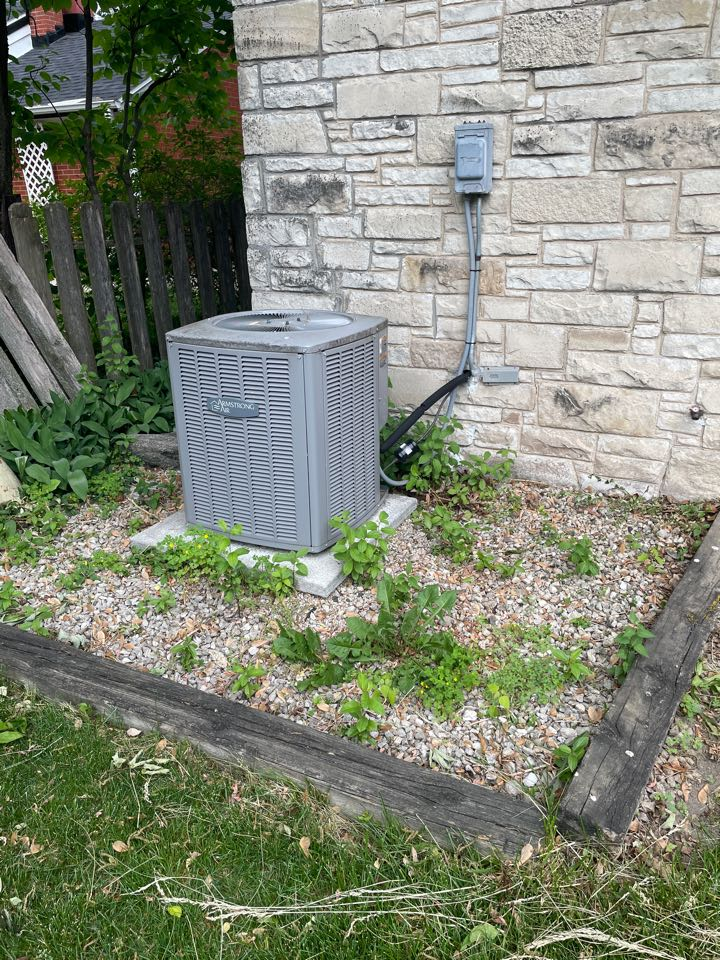 Greenfield, WI - Armstrong air conditioner repair