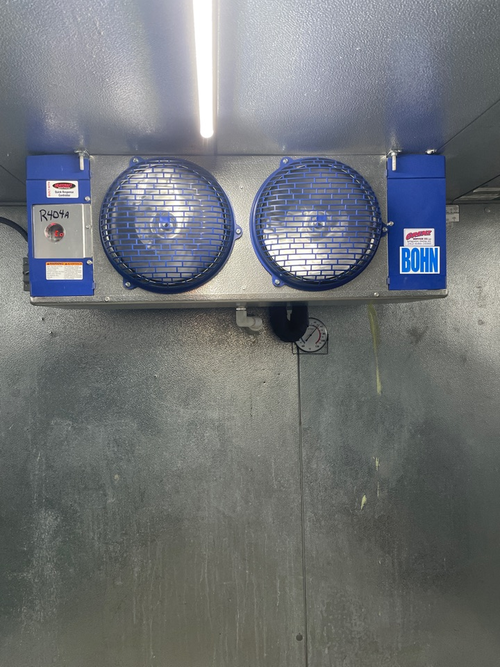 Dousman, WI - Walk in cooler refrigeration