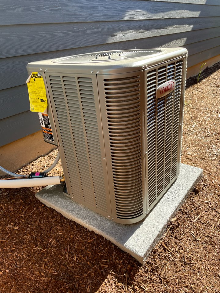 Congratulations to our friends with the new air conditioner in Ridgefield, WA. The Lennox A/C will keep you cool all through the summer.