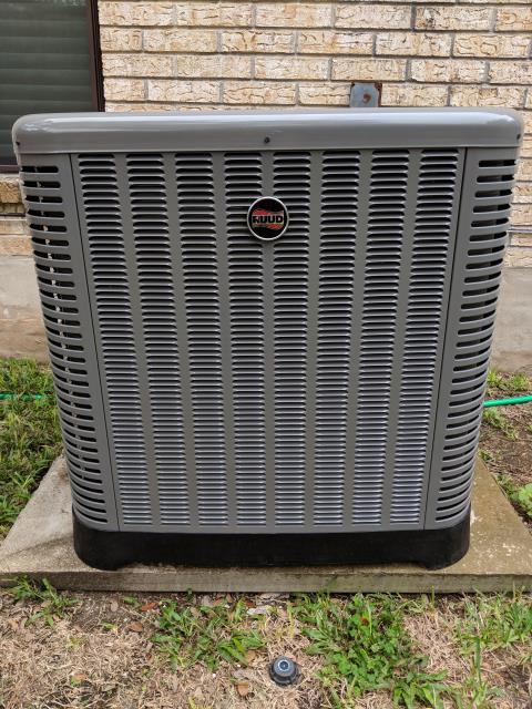 Converse, TX - Service call to check the Heat pump. The central air and heat system is working properly
