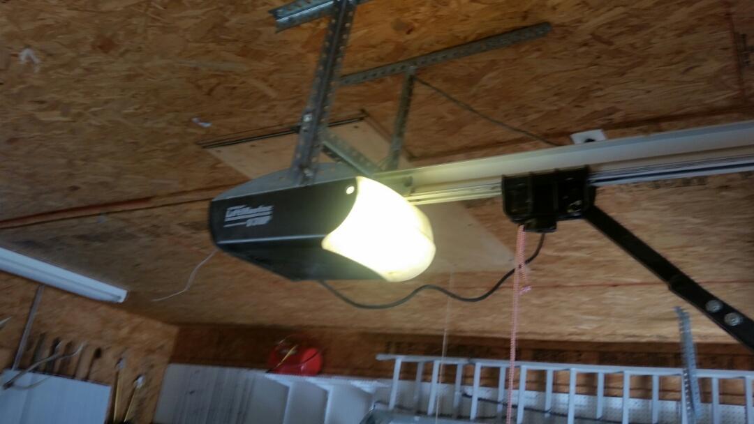 Terrell, TX - Repair screwdrive garage door opener in Terrell