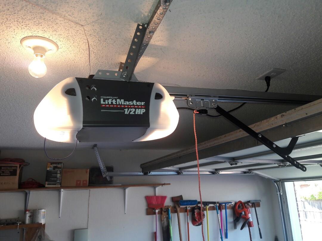 Garland, TX - Garage door opener problem. Installed 3240 screwdrive opener