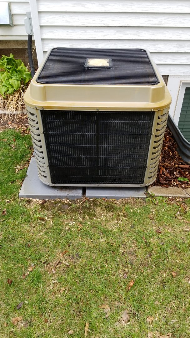 Delano, MN - Performing ac tune up in Delano
