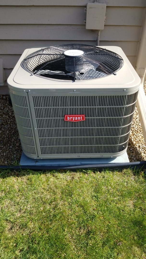 Hopkins, MN - Performing AC tune-up on Bryant air conditioner in Minnetonka