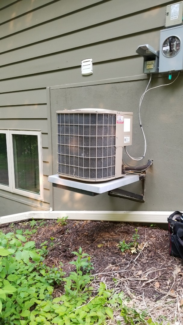 Independence, MN - Repairing AC that's not working in Maple Plain