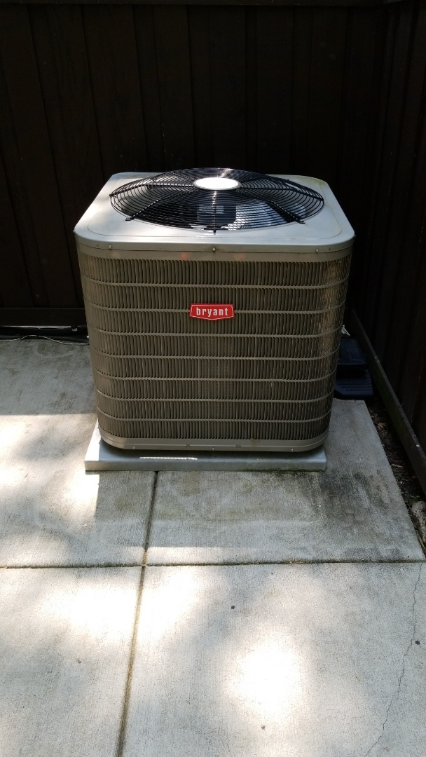 Hopkins, MN - Repairing AC unit that was not cooling in Minnetonka