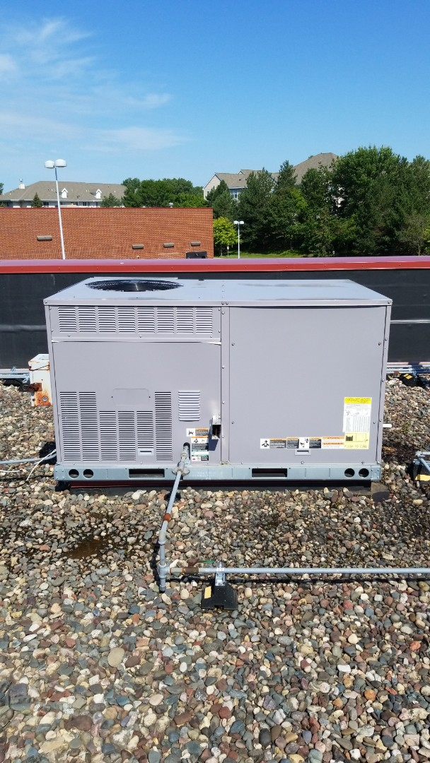 Minnetonka, MN - Performing filter changes on commercial rooftop unit in Minnetonka Minnesota