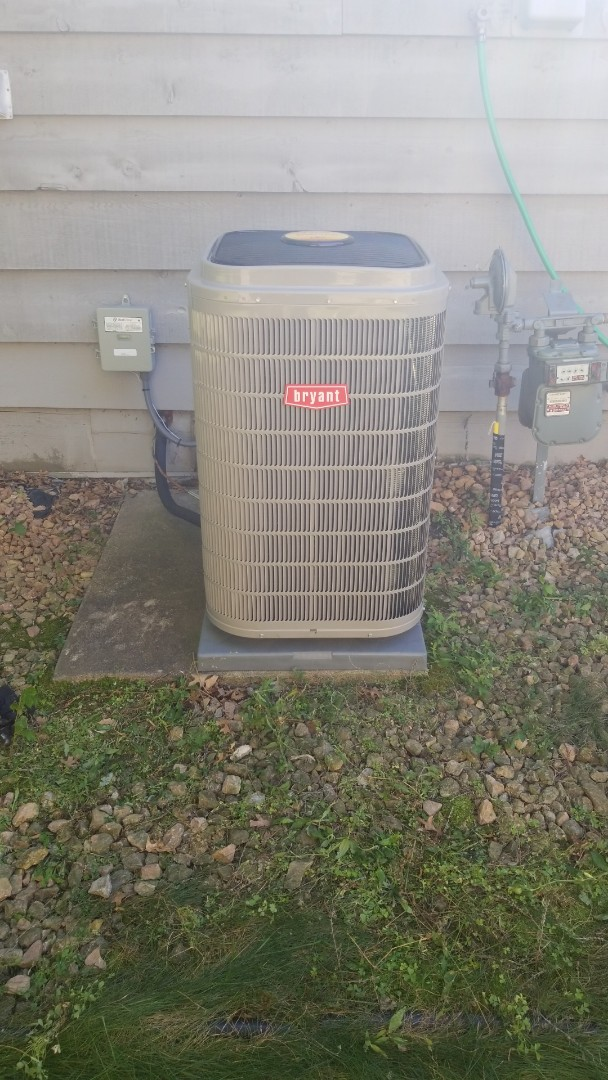 New Brighton, MN - Installing new Bryant air conditioner in Mounds View Minnesota