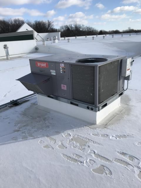 Hopkins, MN - Install 2 Bryant rooftop units in Hopkins MN