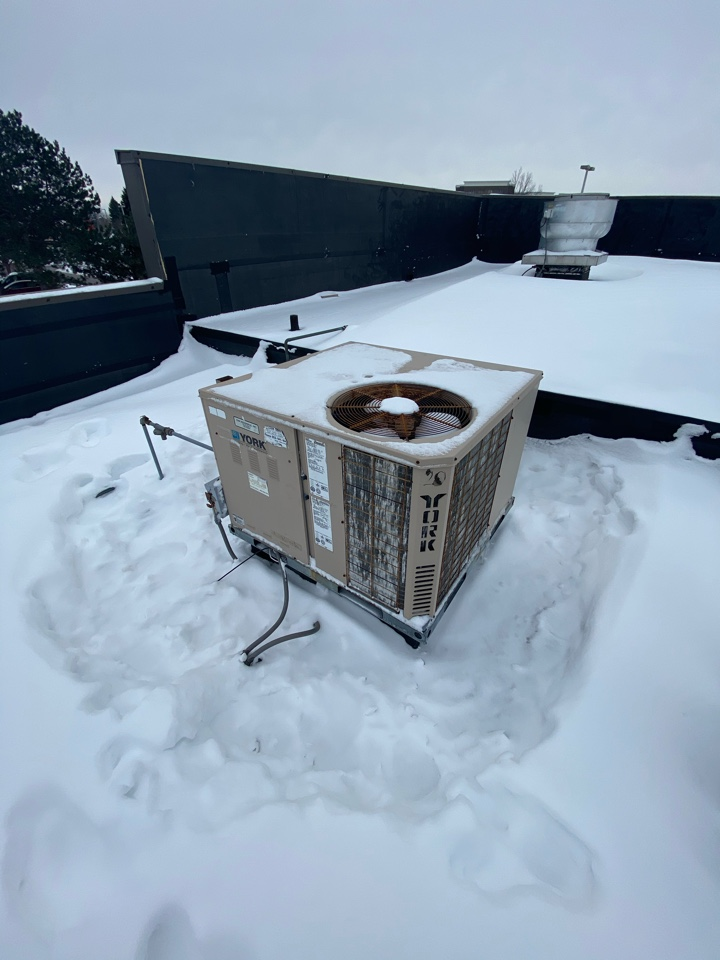 Eden Prairie, MN - Commercial roof top unit RTU replacement estimate in Eden Prairie MN
