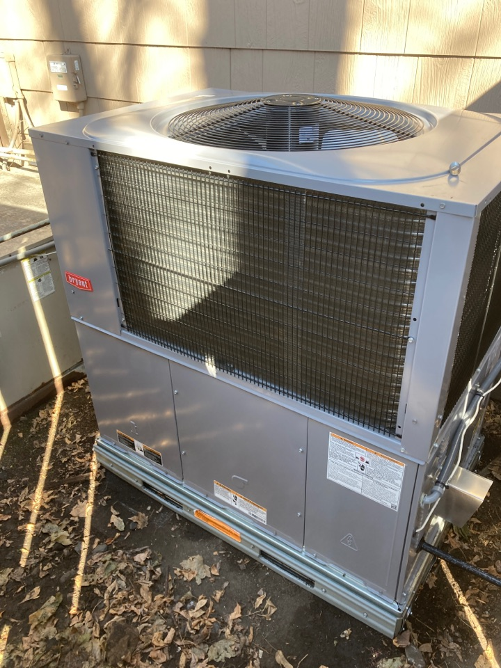 Minnetonka, MN - Bryant packaged unit installation in Wayzata