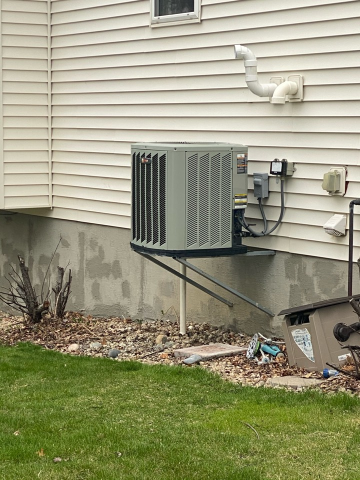 Maple Grove, MN - High efficient furnace and air conditioning replacement estimate in Maple Grove, MN