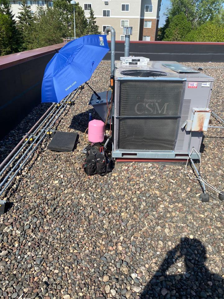 Minnetonka, MN - Commercial rooftop repair great clips Minnetonka mn