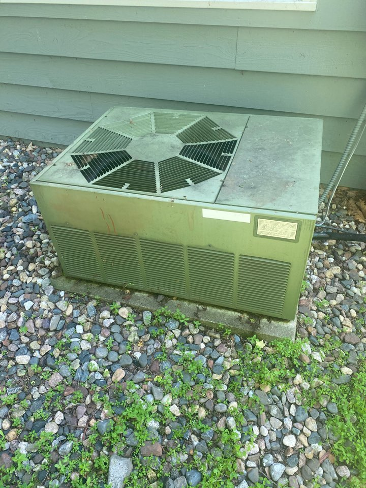Minnetonka, MN - Indoor air quality and air conditioning replacement estimate in Deephaven, MN