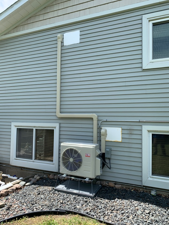 Montrose, MN - Install new Bryant duct less heat pump system in montrose MN