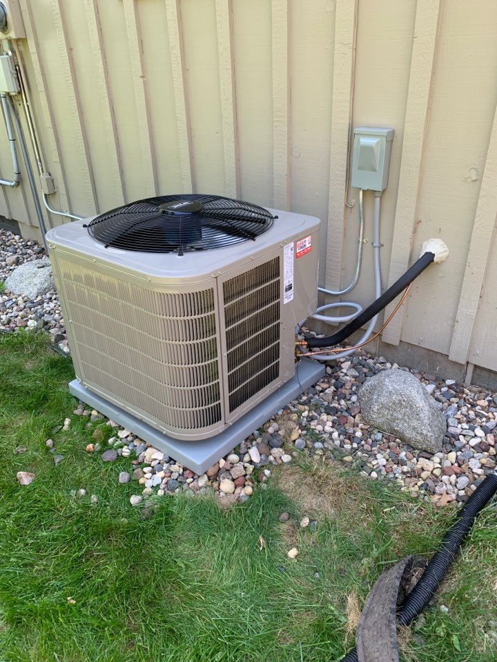 Annandale, MN - Install new Bryant air conditioner in Annandale MN